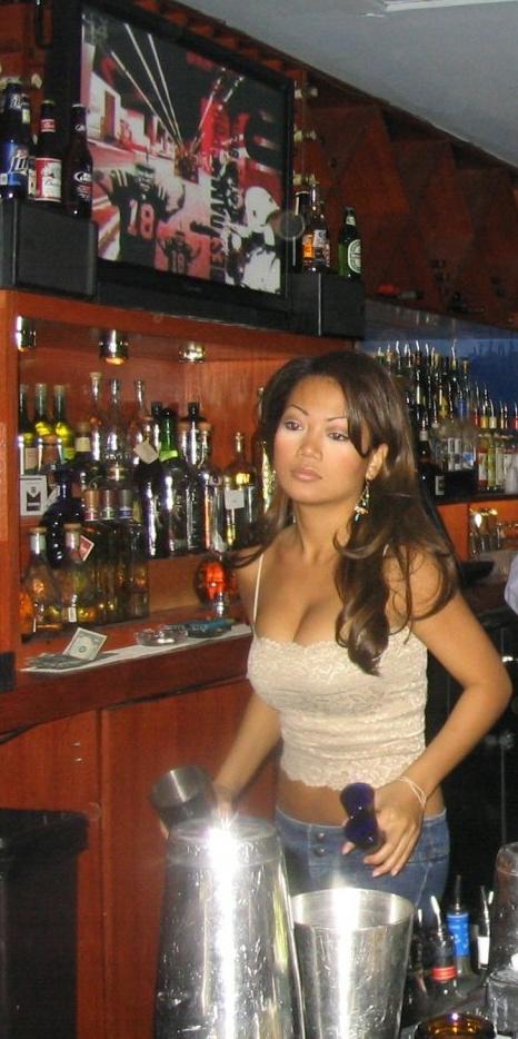 hot-bartender-1.jpg